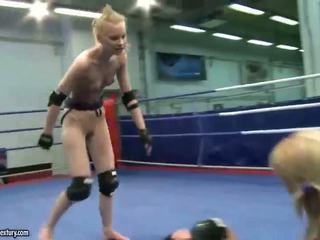 Gitta gaišmatis vs sabrina blondīne