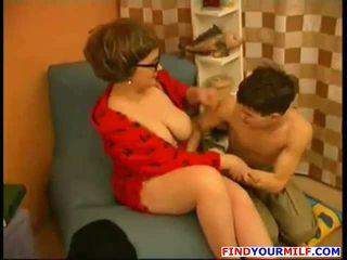 Madre seducción joven hijo