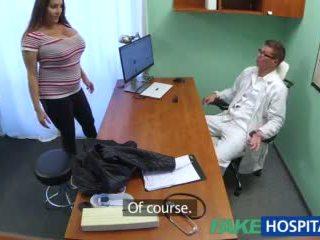 Fakehospital nena wants doctorã¢â€â™s corrida todo encima su grande enorme tetitas vídeo