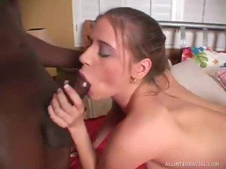 Nicole 從 tennessee 是 intrigued 由 darksome byron