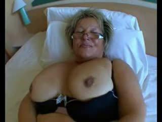 Phụ nữ đẹp lớn bà nội với to tits trong cứng hậu môn