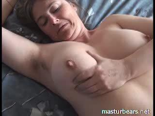 Orgasme à maison gros seins français milf martine vidéo