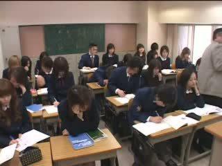 Japońskie wiek dojrzewania marki miłość z siła robocza w klasa wideo