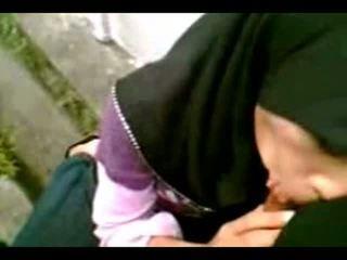 Arab muslim hijab gadis menghisap cook-sexyhijaber.com