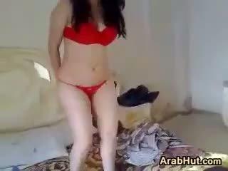 Arab kvinne teasing henne vakker kroppen