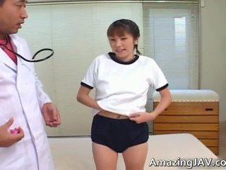 جنسي اليابانية فتاة مص لها doktors