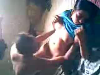 Desi küla tüdruk saama perses poolt lover peidetud