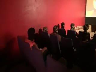 Carole gangbanged -ban egy mozi