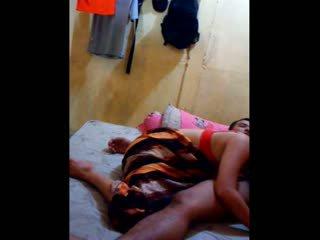 Indonéský kotě had ji kočička licked a fingered