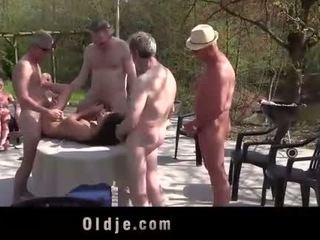 Anita bellini jõuk banged poolt 8 vana kiimas cocks