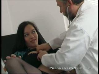 Incinta dottore examination