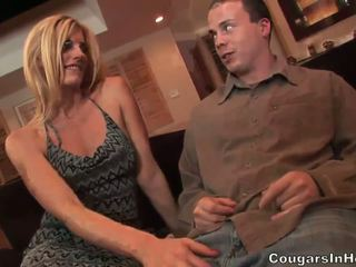 Slutty blond hoe gives fantastiline suhuvõtmine