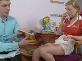Млад и възбуден момиче 3, безплатно възбуден млад момиче порно видео cf