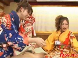 Jepang av model bokong groped