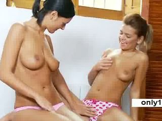 18 years Beauty Adria enjoys pussy Romea Video