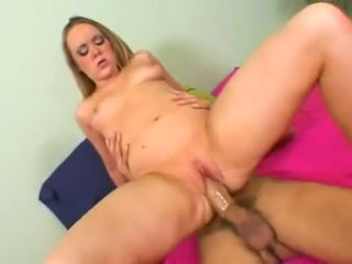 Amber peach acquires her constricted ýaşlar amjagaz filled up with sik