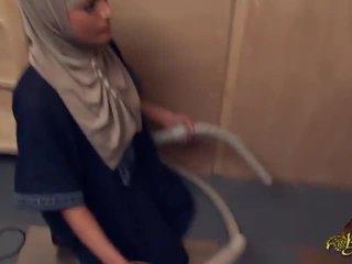 Bwc или голям western хуй easily dominates ориенталски арабски maids и жени