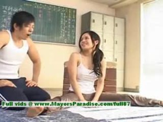 Sora aoi karstās meitene jauks ķīnieši modele enjoys getting teased
