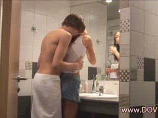 Kuuma seksi sisään the kylpyhuone