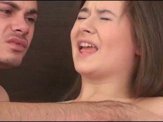Virgin נערה sucks a זין