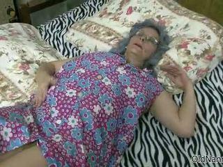 奶奶, 口交, 女同性恋