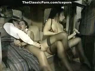 브루 넷의 사람, 더블 삽입, 그룹 섹스