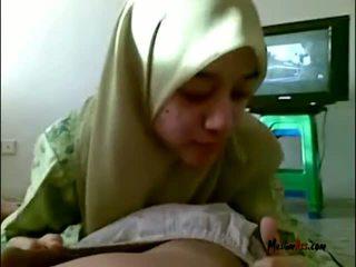 Hijab paauglys čiulpimas kiaušai