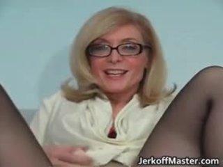 Seksi milf nina hartley stripping