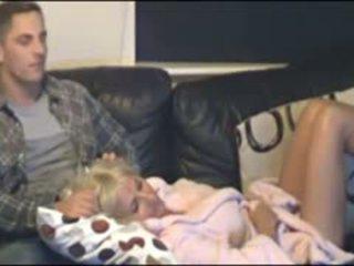Mor og sønn fanget av skjult cammera