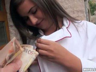 Cseh lány -ban egyenruha analyzed mert készpénz
