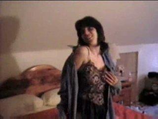 Guy has seks me e tij nënë