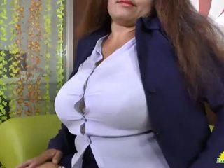Latinchili abuelita gloria masturbándose latino perra <span class=duration>- 8 min</span>