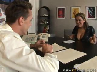 Grand titted bureau donna sienna west does rien pour une reference
