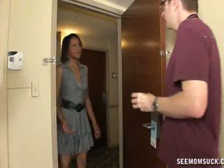 Suhuvõtmine sisse the hotell tuba