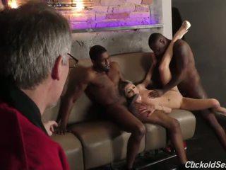 Nuori vaimo does aisankannattaja 3sum varten the vanha mies - porno video- 051