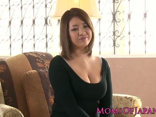 Maduros japonesa mamãe toyed e throatfucked