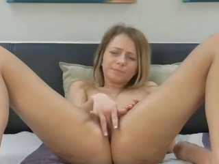Fingering Her Pussy until She Squirts, Porn 3c
