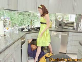 Mājsaimniece