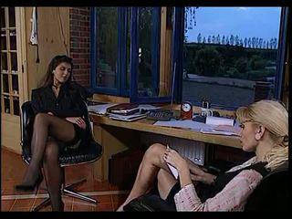 性别 maids: 自由 葡萄收获期 & 法国人 色情 视频 5a