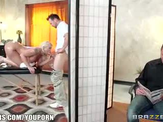 Brazzers - leya falcon gets ระยำ โดย เธอ masseuse