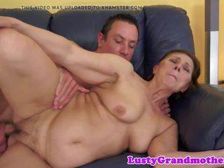 Pussyfucked Chubby Granny Shakes Her Booty: Free HD Porn 49