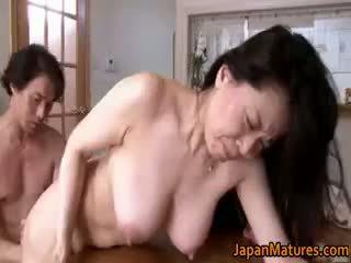 יפני, מין קבוצתי, ציצים גדולים