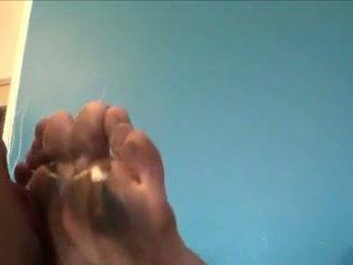 汚い soles cleaner