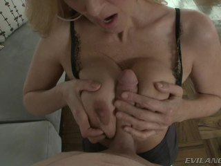 Порно звезда julia ann acquires visitor wanting към bang тя mambos.