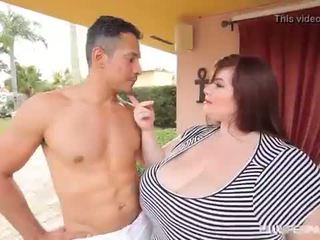 Nagy cinege nagymellű lexxxi luxe fucks a latino gardner