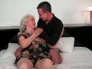 Lusty grannies compilação filme