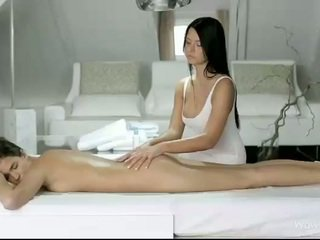 Silvie and addison massaž each pussies
