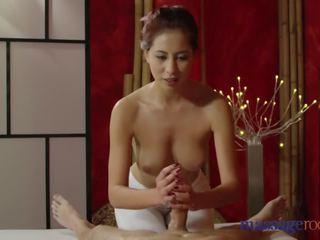 Massage rooms nymfomane aziatisch fucks groot lul voor heet hand baan