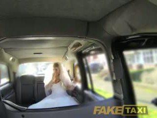 Fake taxi runaway nevěsta needs velký kohout