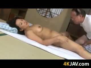 Smutsiga äldre japanska par